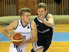 Nejlepším žďárským střelcem byl o víkendu Michal Seidler (s míčem). Většinu z nich (27) nasázel v sobotním zápase s brněnskými Žabovřesky.