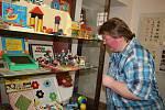 Hry a hračky v hlavní roli – taková je nová výstava nazvaná Kloboučku hop! v Regionálním muzeu Města Žďáru nad Sázavou.