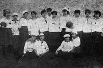 Matky zakladatelky. To jsou průkopnice házenkářského oddílu ve Velkém Meziříčí, který ve městě existuje již rovných sto let.