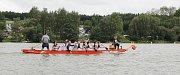 Hladinu Pilské nádrže ve Žďáře nad Sázavou rozčeřily v sobotu 19. srpna dračí lodě. Divákům se předvedlo bezmála čtyřicet posádek v sedmi kategoriích.