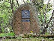 Pomník na kopci Metodka stojí od roku 1975.