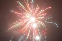 K Silvestru a Novému roku petardy a ohňostroje podle mínění některých lidí patří. Jiné ale podobné atrakce obtěžují.