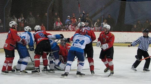 Ze třetího finálového utkání mezi Žďárem a Světlou.