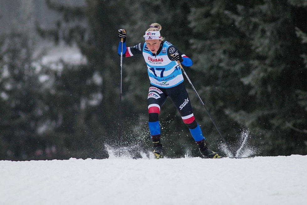 Barbora Havlíčková v závodu žen na 10 km volně v rámci Světového poháru v běhu na lyžích.