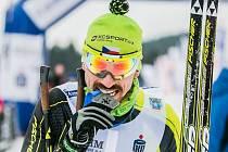Jiří Ročárek vyhrál další velkou medaili. Na snímku se raduje ze zlata z Polska, v Německu se stal mistrem Evropy.