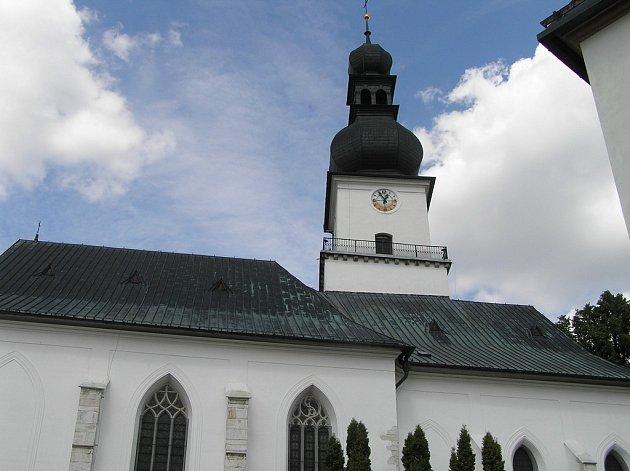 Z věže kostela svatého Prokopa se mohou na město obyvatelé Žďáru podívat  jen při slavnostních příležitostech.
