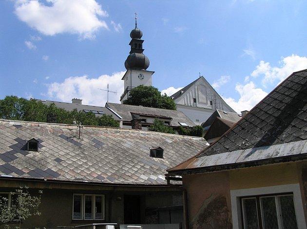 Z věže kostela svatého Prokopa se mohou na město obyvatelé Žďáru podívat  jen při slavnostních příležitostech. Slavnosti jeřabin jsou jednou z nich.