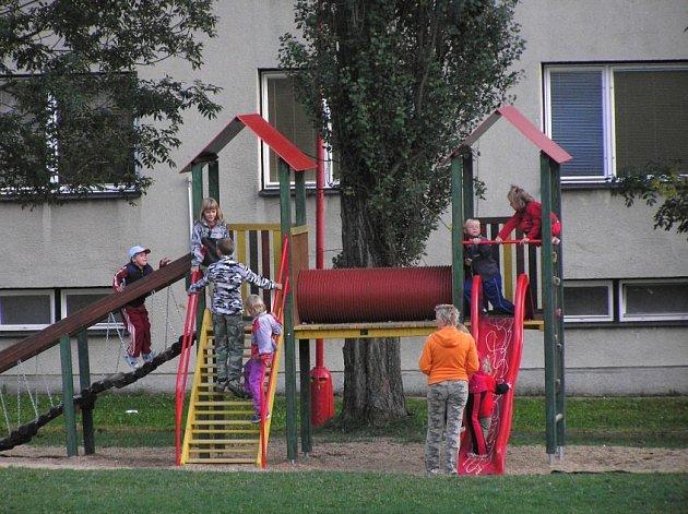 První dva dětské koutky v Bystřici doplní další. Letos je nechá radnice postavit v lokalitách Voldán a Černý vršek.