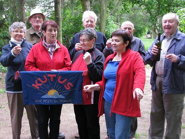 Osm členů spolku Kutus při sobotním setkání společně oslavilo svoje letošní životní jubilea.