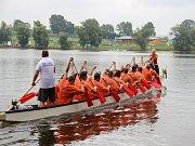 Pilská nádrž se stala dějištěm 10. ročníku závodu Dračí lodě Velké Dářko.
