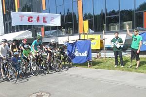 Osmý ročník běhu proti rakovině nesl název Pohybem k naději. Na trasu se vydalo okolo tří set běžců, chodců, cyklistů a in-line bruslařů.