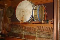 Na přelomu 19. a 20. století se orchestriony staly velmi módní záležitostí. Teď  jsou součástí muzejních výstav.