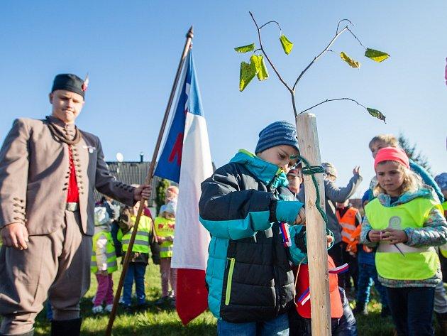 OBRAZEM: Děti přišly do školy v barvách státní vlajky