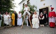 V pátek 9. června uspořádalo Regionální muzeum města Žďáru nad Sázavou již devátou Muzejní noc, tentokrát s podtitulem Od kolonisty k měšťanovi. U příležitosti 410. výročí povýšení Žďáru na město se návštěvníci vydali na cestu časem od prvopočátků místníh