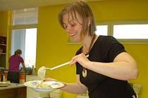 Kateřina Bukáčková absolvovala při mateřské dovolené rekvalifikační kurz pro výživové poradenství na Mendelově univerzitě a kurz pro laktační poradkyně v Praze. V současné době působí ve žďárském Rodinném centru Srdíčko.