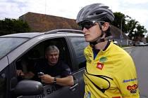 Rychlobruslařka Martina Sáblíková se dnes postaví na start cyklistické časovky. Její souboj s Ladou Kozlíkovou by měl být ozdobou republikového šampionátu.