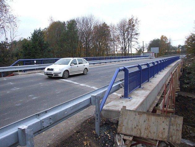 Znovuotevřený most v Novém Městě.