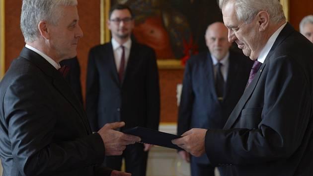 Josef Fiala, rodák z Měřína na Žďársku, je od ústavním soudcem.