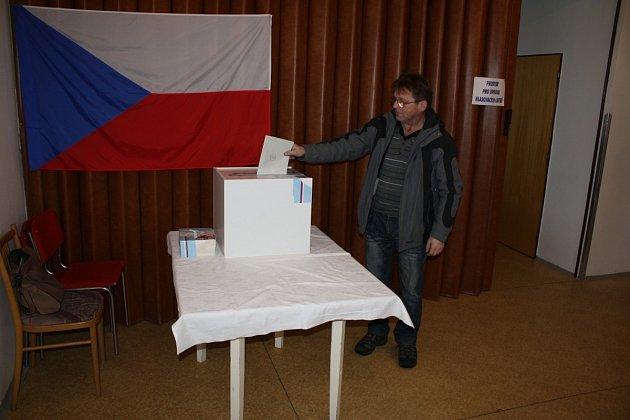 Nového prezidenta přišli v Rosičce volit všichni obyvatelé.