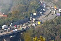 Dálnice u Velkého Meziříčí. Na snímku z opravy dálničního mostu.