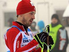 Do závodní stopy se Martin Koukal postaví už jen zřídka, lyže má v permanenci však pořád. Coby bývalý elitní závodník může hodně poradit i servisu, přestože jeho hlavní náplní funkce je šéfování.