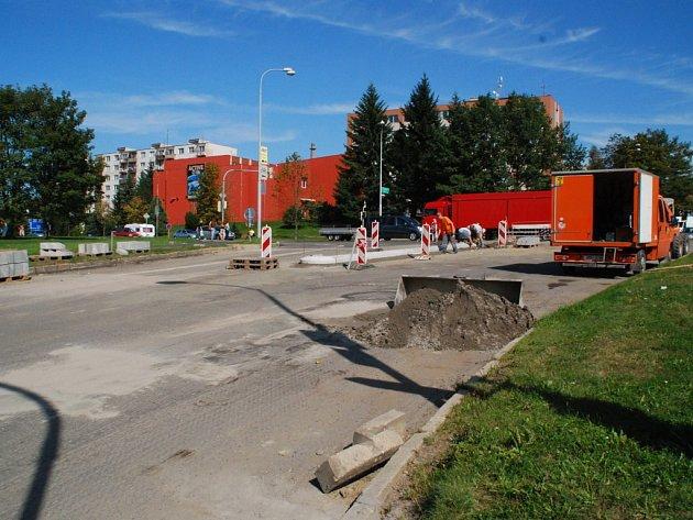 Od 18. září se už řidiči ke žďárskému městskému úřadu nedostanou.