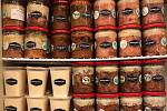 Mitrovský dvůr se na trh s biopotravinami poprvé zapsal v roce 2015. Zaměřují se tam především na masné produkty z celoročně volně paseného hovězího skotu plemene Aberdeen Angus.