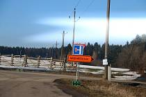 Cesta na Vlachovice a Tři Studně okolo Vysočina areny je uzavřená.