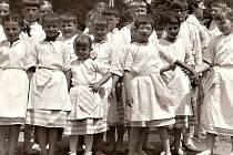 Folklorní vystoupení souborů Horáček i Horák byla velmi oblíbená. Děti i dospělí z Rokytna předváděli své umění na zahájení výstav, při slavnostech a nejrůznějších dalších příležitostech. Vystupovali také v rámci folklorních soutěží, kde se umisťovali na
