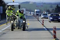 Na dálnici D1 mezi Měřínem a Velkým Meziříčím začala 26. ledna platit dopravní omezení kvůli pracím na modernizaci tohoto úseku.
