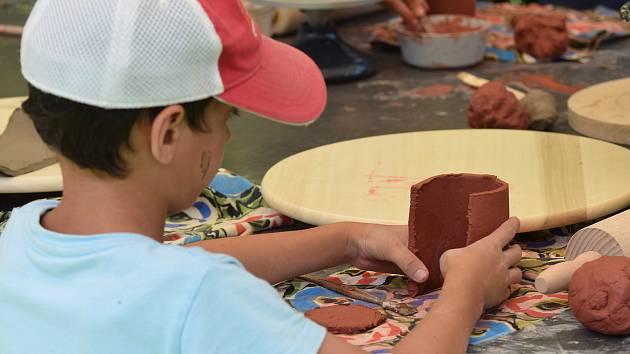 Celodennímu ateliér Chytrá ruka pro děti na téma Hrnčíř