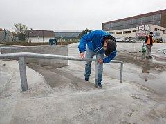 Ve Žďáře nad Sázavou postavili nový skatepark.