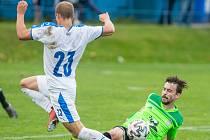 Hráči Nového Města na Moravě (v zelených dresech) byli na podzim úspěšnější na hřištích soupeřů než před vlastními diváky.