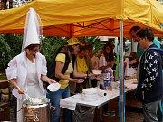 K tradičnímu sladkému zakončení léta patří v Novém Městě na Moravě akce tamních včelařů se symbolickým názvem Vůně medu.