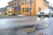 Stav vozovek na Žďársku je obecně stále horší, než v okolních okresech.