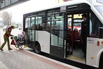 Jízdní řád městské dopravy v Novém Městě na Moravě je stále ještě provizorní. Se změnami se i nadále počítá, všechno se odvíjí od připomínek cestujících. Nejvíce jsou využívány ranní autobusy, které vozí děti do školy a ostatní cestující do nemocnice.