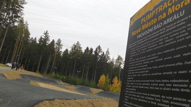 Pumptracková dráha ve Vysočina Areně.