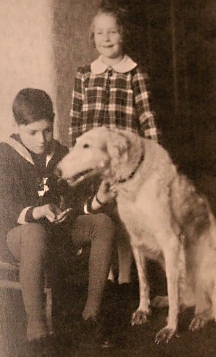 Jiří a Hana se psem Sylvou.