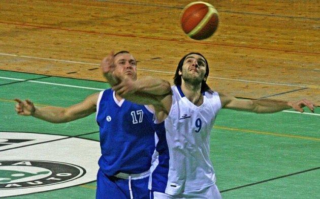 PERNÝ VÍKEND. Basketbalisté Žďáru se dnes doma a zítra v Praze střetnou s lídrem tabulky – ambiciózní Spartou.