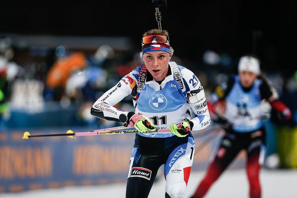 Markéta Davidová v závodu Světového poháru v biatlonu - stíhací závod žen na 10 km.