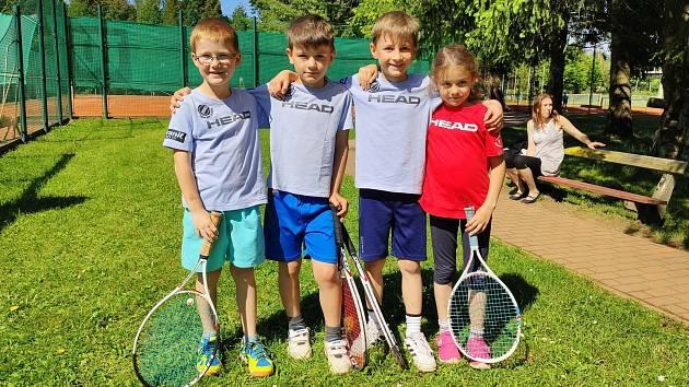 Nové zázemí žďárským tenistům svědčí