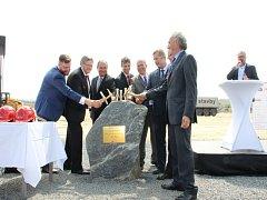 Včera byla oficiálně zahájena stavba nového podniku v bystřické průmyslové zóně.
