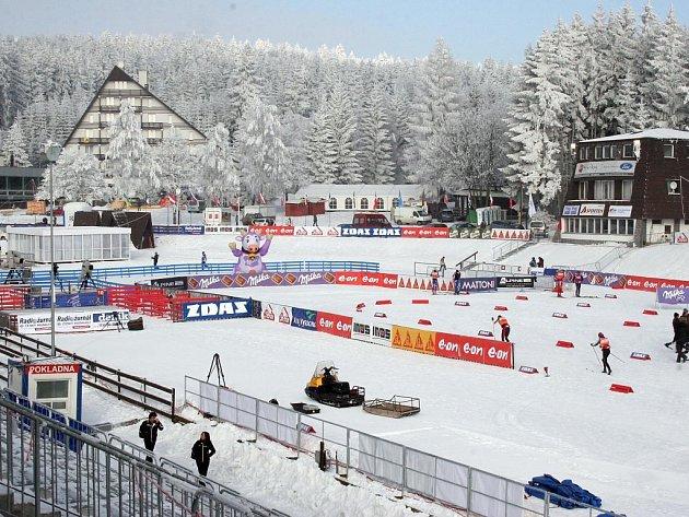 """Stadion si """"odpočinul"""" pouze v neděli. V pondělí měli závodníci na programu trénink, na Nový rok soutěž pokračuje."""