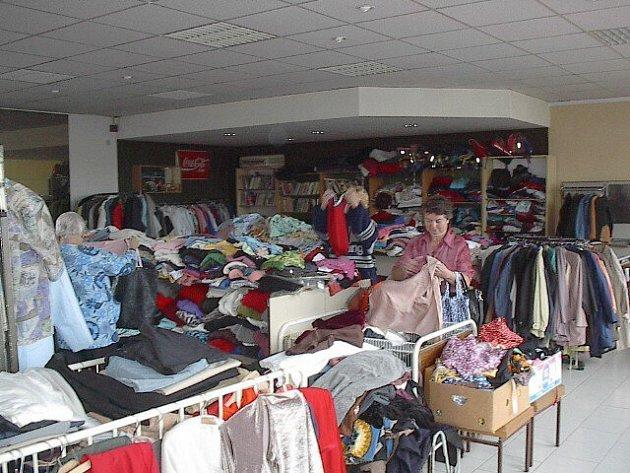 Sbírka je orientována především na oděvy, lůžkoviny, prostěradla či záclony.
