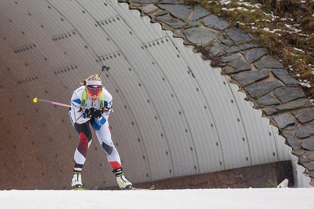 Závod SP vbiatlonu (štafeta ženy 4x 6km) vNovém Městě na Moravě. Na snímku: Lucie Charvátová.