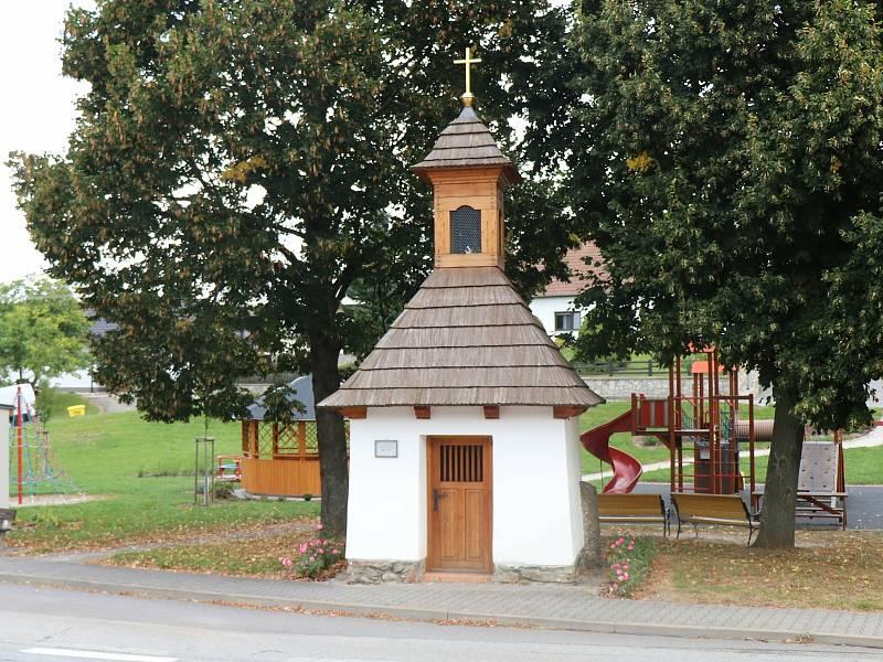 Jeden ze zvonů byl určený pro místní kapličku.
