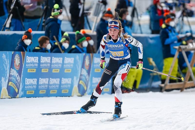 Markéta Davidová v závodu Světového poháru v biatlonu - štafeta 4x6 km ženy.