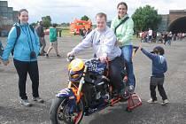 Členy Harley – Davidson Club Praha přivítá bystřický denní stacionář Rosa v sobotu 23. dubna.