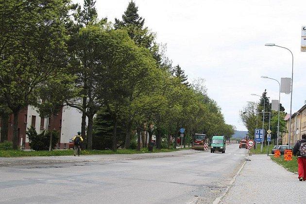 Část státní silnice I/19, a to úsek od odbočky na Hamry nad Sázavou až po křižovatku ulic Brodská a Revoluční ve Žďáře nad Sázavou se dočká rekonstrukce.  K úplné uzavírce celého úseku však dojde jenom po dva červencové dny.
