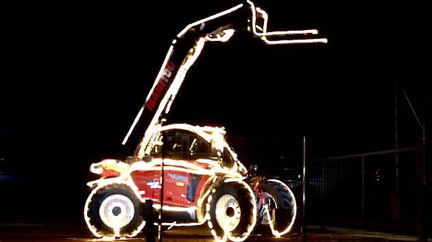 Firma Moreau Agri Vysočina opět svátečně nazdobila jeden ze svých strojů.